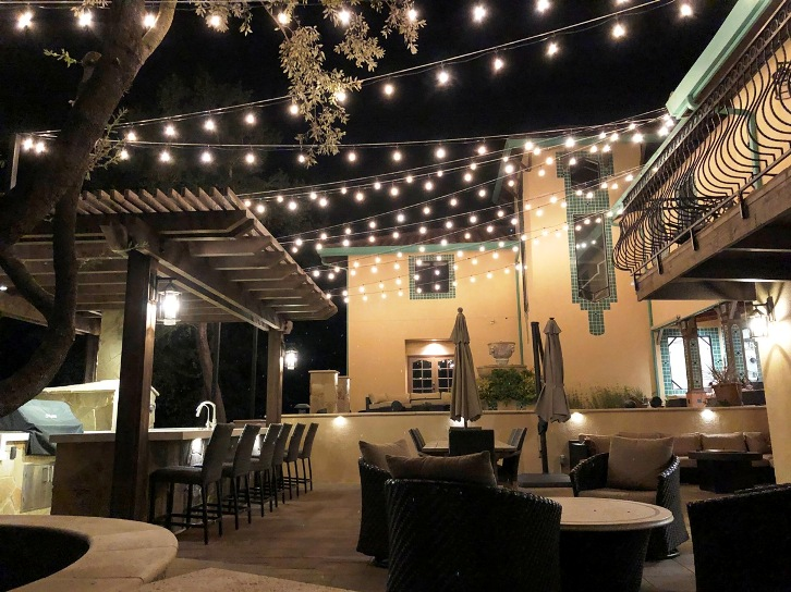 Backyard-outdoor-living-space-night2