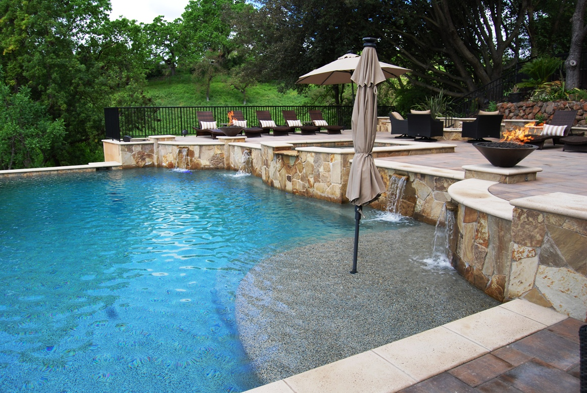 Swimming-Pool-Design-wtih-Fire-feature