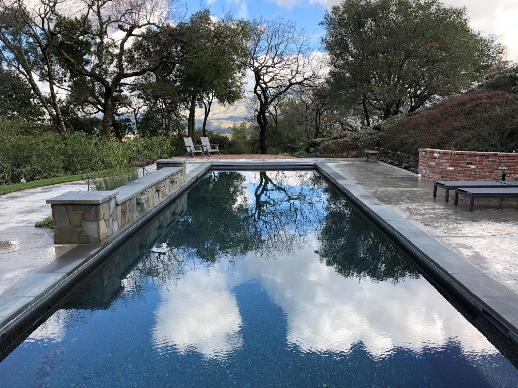 Swimming-pool-design-with-view