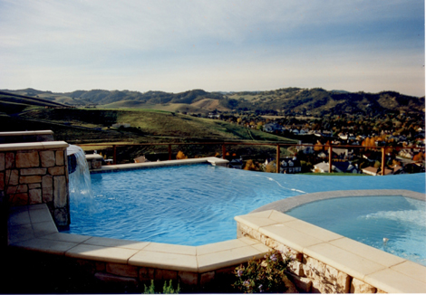 Swimming pool with infinity edge design 5 in Danville